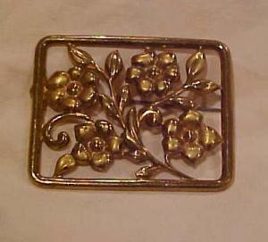 Brass floral design pin (Image1)