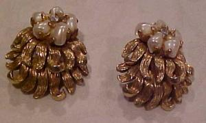 Boucher earrings pearls/rhinestone (Image1)