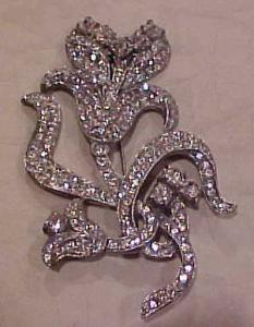 Pot metal and rhinestone flower pin (Image1)