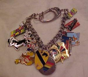 Charm bracelet with 12 charms (Image1)