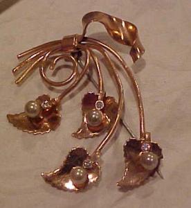 1940's retro pin w/faux pearls/rhinestones (Image1)