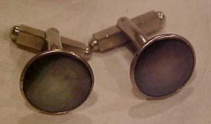 Grey mother of pearl cufflinks (Image1)