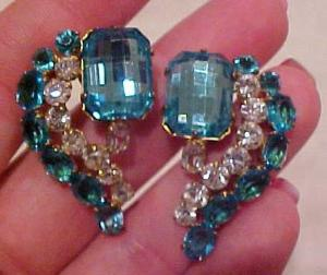 Beautiful rhinestone earrings (Image1)