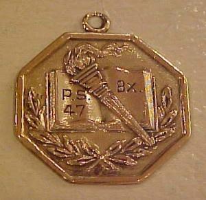 1920 Parents Association charm (Image1)