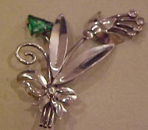 Sterling flower pin w/green rhinestone (Image1)