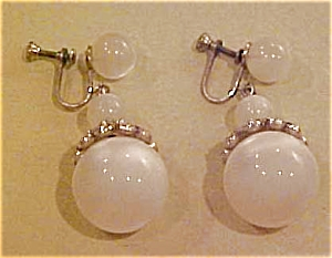 Bead and rhinestone earrings (Image1)