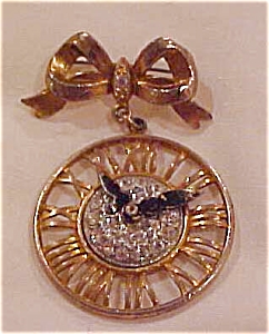 Clock design pin with rhinestones (Image1)