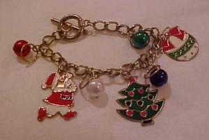 Christmas charm bracelet (Image1)