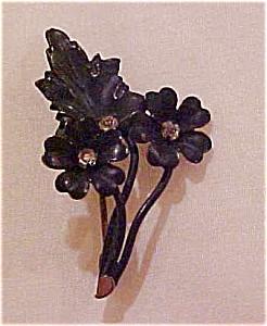 Victorian flower brooch with rhinestone (Image1)