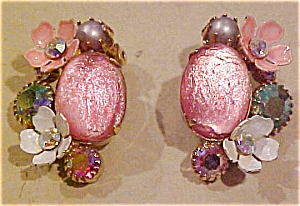 Kramer pink rhinestone earrings (Image1)