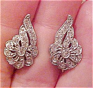 Pot metal and rhinestone earrings (Image1)