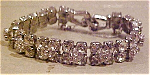 Trifari rhinestone bracelet with flowers (Image1)