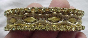 Bangle with rhinestones and ribbon (Image1)