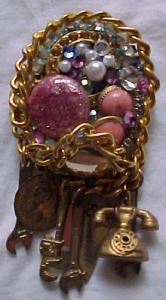 Dangling charm collage pin (Image1)