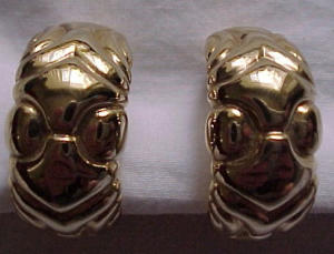 M. USA goldtone clip earrings (Image1)