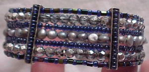 Beaded cuff w/iridescent beads (Image1)