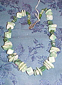 Green stone bead necklace (Image1)