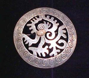 Mexican sterling silver engraved pin with pink stone (Image1)