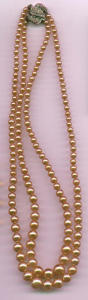 Faux pearl necklace w/rhinestone clasp (Image1)