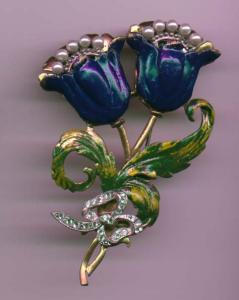 Enamel, rhinestone and faux pearl flower brooch (Image1)