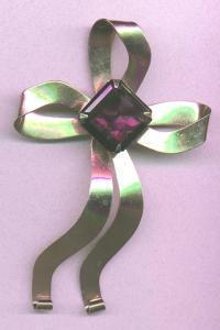 CO China Overseas sterling vermeil retro bow pin with amethyst glass stone (Image1)