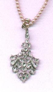 Edwardian /art deco style pot metal and rhinestone pendant on faux pearl chain (Image1)