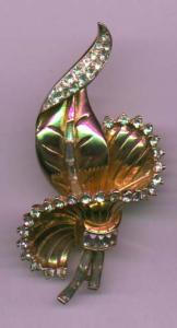 Corocraft goldtone and rhinestone brooch (Image1)