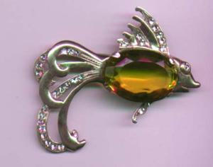 Sterling vermeil fish pin with yellow glass belly (Image1)