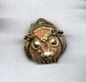 Razza bull pin (Image1)
