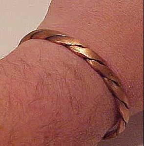 Copper cuff (Image1)