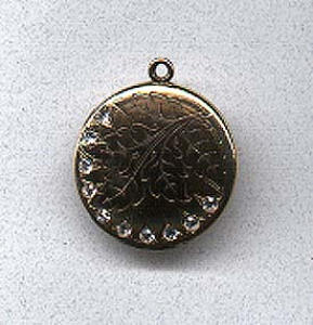 Beautiful locket with rhinestones (Image1)