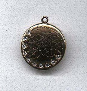 Beautiful locket with rhinestones (Image1)