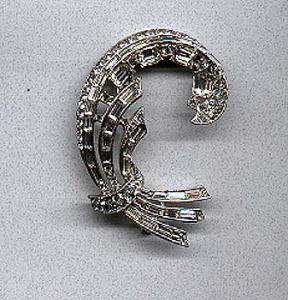 retro style rhinestone pin (Image1)