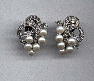 Ledo rhinestone and Faux pearl earrings (Image1)