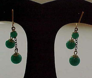 Green glass bead earrings (Image1)
