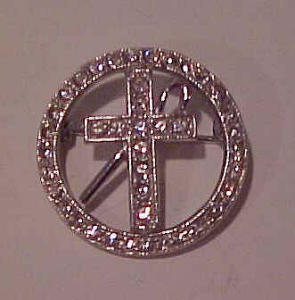Ora rhinestone pin with cross (Image1)