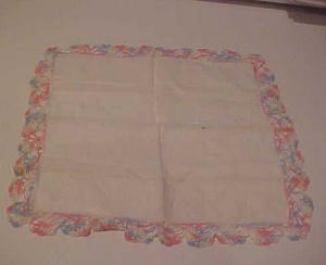 handkerchief with crocheted edges (Image1)
