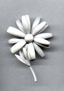 white metal flower pin (Image1)