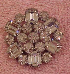 Weiss snowflake pin (Image1)