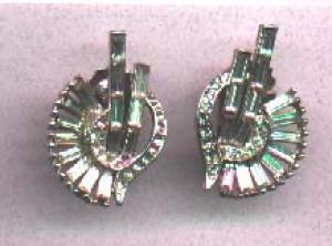 Wiesner rhinestone earrings (Image1)