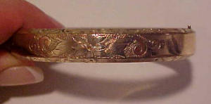 engraved gold filled bangle w/flowers (Image1)
