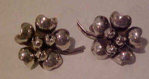 Sterling flower earrings (Image1)