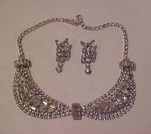 Rhinestone bib necklace and earrings (Image1)