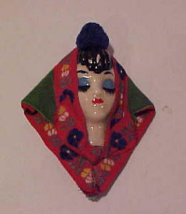 Ceramic woman's head pin 1940's (Image1)