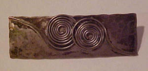 Modern silver pin w/wirework (Image1)