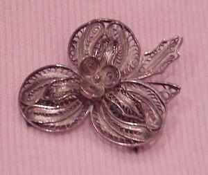 Peruvian silver filligree pin (Image1)