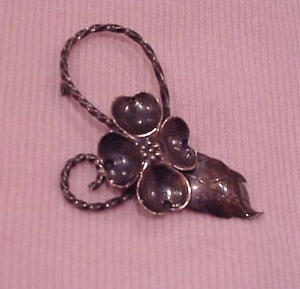 wrought sterling four leaf clover pin (Image1)
