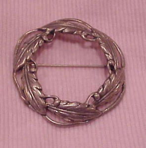 Danecraft Sterling circle leaf pin (Image1)