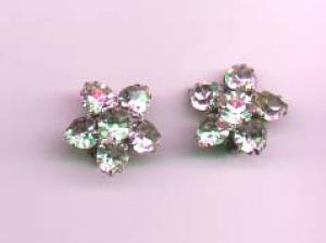 WEISS earrings with heart shaped rhinestones (Image1)