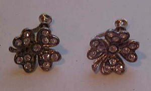 Pot metal & Rhinestone 4 leaf clover earrings (Image1)